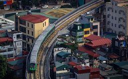 - Chùm ảnh: Tàu đường sắt trên cao lao vun vút từ ga Cát Linh tới Yên Nghĩa