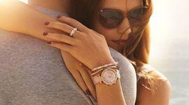Sự kiên: Chọn mua đồng hồ