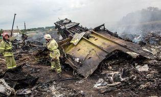 World Cup 2014 - HLV Newcastle khóc thương 2 CĐV tử nạn trong vụ nổ MH17