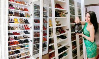 """Ngôi Sao - Trà Hằng, Quỳnh Nga khoe tủ giày """"khủng"""" như shop thời trang"""