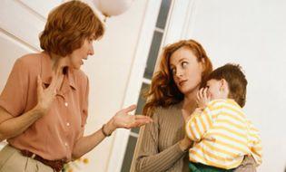 """Gia đình - Bố mẹ chồng """"giúp"""" tiền sửa nhà nhưng tính lãi ngân hàng"""