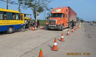 """Miền Trung - Kiên quyết xử lý vấn nạn xe quá tải """"băm nát"""" đường bộ"""