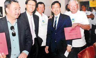 """Doanh nhân - """"Vua rác"""" David Dương trúng thầu hợp đồng 2,7 tỷ USD ở Mỹ"""