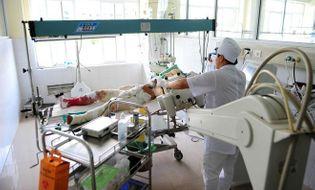 Sự kiện hàng ngày - Tin mới nhất về 2 chiến sĩ bị thương vụ máy bay rơi ở Hòa Lạc