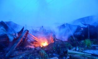 Miền Nam - Cháy lớn trong đêm, 1.000m2 nhà xưởng bị thiêu rụi