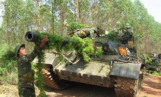 Chủ quyền - Xem bộ đội và xe tăng Quân khu 1 tập trận