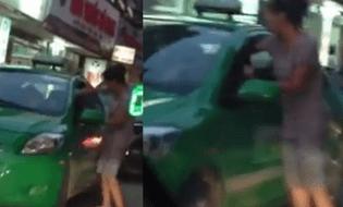 Cộng đồng mạng - Clip: Người đàn bà đánh nhau với lái xe taxi gây tắc đường