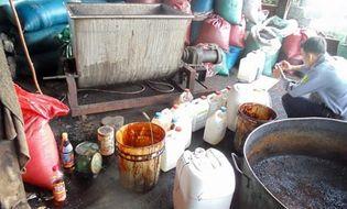 Tây Nguyên - Sản xuất cà phê từ đậu nành, bắp và hóa chất