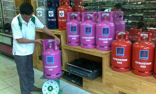 Thị trường - Giá gas tại TP HCM giảm 7.000 đồng một bình từ hôm nay