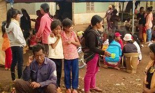 Tây Nguyên - 114 người ngộ độc thực phẩm sau khi ăn tại đám tang