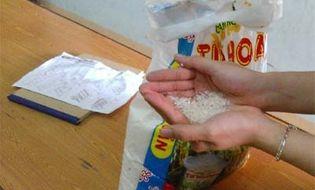 Thị trường - Thực hư chuyện gạo chuyển màu xanh, nghi tẩm hóa chất độc hại