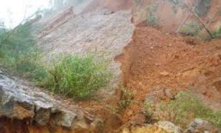 Miền Bắc - Lạng Sơn: Lở đất lúc rạng sáng, 7 người thiệt mạng