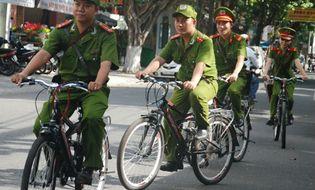 Sự kiện hàng ngày - Cảnh sát Đà Nẵng đạp xe tuần tra, bắt cướp