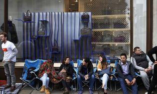 Công nghệ - Cảnh xếp hàng chờ mua iPhone 6 trên thế giới