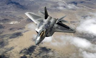 Quân sự - Chiến đấu cơ Mỹ, Canada áp sát 8 máy bay quân sự Nga