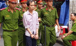 Hồ sơ vụ án - Gần trăm người xin miễn tử hình cho kẻ dùng 6 con dao sát hại vợ
