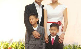 Ngôi Sao - Hoa hậu Hà Kiều Anh sang trọng, rạng rỡ bên chồng con