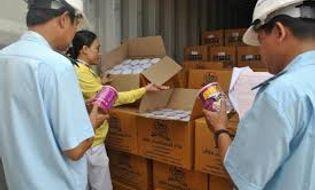 Miền Nam - Phát hiện hàng ngàn hộp sữa bột đội lốt phế liệu