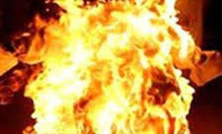 Miền Trung - Sau 8 năm vợ chết do bom xăng, chồng tẩm xăng tự thiêu