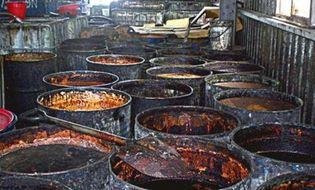 """Thị trường - TP.HCM """"siết"""" mạnh tay thực phẩm chứa dầu bẩn Đài Loan"""