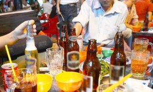 """Thị trường - Bác bỏ tin Việt Nam là """"Quán quân uống bia thế giới"""""""