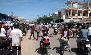 Sự kiện hàng ngày - Phú Yên: Nghe tin đồn vàng giả, người dân đổ xô đi bán