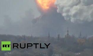 Thế giới - Video: Nhà máy hóa chất Donetsk phát nổ do trúng tên lửa đạn đạo