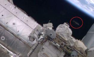 Chuyện lạ - Phát hiện UFO trên Trạm vũ trụ quốc tế ISS?
