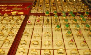 Tài chính - Ngân hàng - Giá vàng ngày 22/10: Giá vàng trong nước ngược chiều thế giới