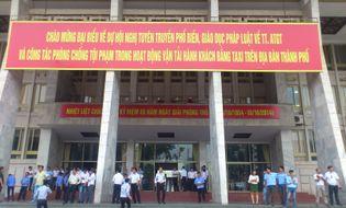 Sự kiện hàng ngày - Hàng ngàn lái xe taxi Hà Nội tập huấn nâng cao chất lượng phục vụ