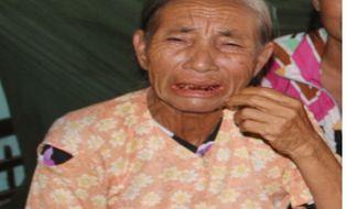 """Xã hội - Bà lão nuôi 9 con ngớ ngẩn mơ một lần được nghe tiếng gọi """"mẹ"""""""