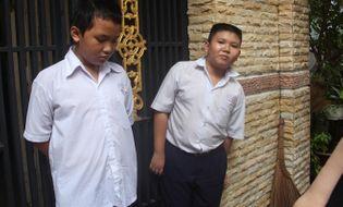 Sự kiện hàng ngày - TP.HCM: Phá cửa cứu hai bé trai khóc thét trong căn nhà bốc cháy