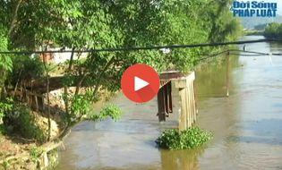 Xã hội - Clip: Gần 3 năm chưa xây xong cây cầu dài 30m