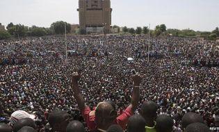 Thế giới 24h - Tổng thống Burkina Faso từ chức sau 27 năm cầm quyền