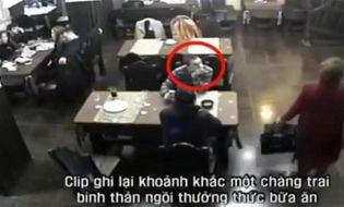 """Xã hội - Video: Thản nhiên ngồi ăn giữa cuộc hỗn chiến của """"xã hội đen"""""""