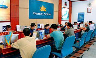 Kinh Doanh - Hành khách phản ứng về việc tắc trách của Vietnam Airline