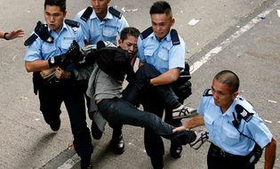 Bản Tin 113 - Cảnh sát Hồng Kông giải tỏa tụ điểm biểu tình, bắt giữ 80 người