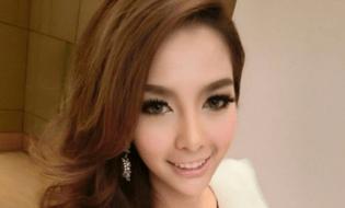 Cộng đồng mạng - Vẻ đẹp vạn người mê của hot girl chuyển giới hot nhất Thái Lan