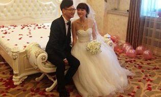 Tình yêu - Giới tính - Kỳ lạ đám cưới của chàng thanh niên với mẹ ruột bạn thân