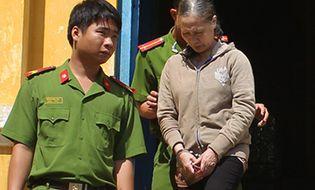 Hồ sơ vụ án - Cựu giáo viên U60 lĩnh án vì chứa gái mại dâm