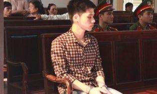"""Pháp luật - """"Phi công trẻ"""" sát hại chồng người yêu lĩnh án 17 năm tù"""
