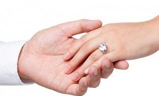 Gia đình - Vợ sắp cưới bị người yêu cũ liên tục quấy rối, gạ tình