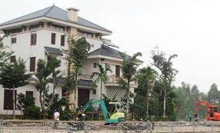 Xã hội - Phạt gia đình cựu Phó Chủ tịch tỉnh lấn 400m2 đất xây biệt phủ