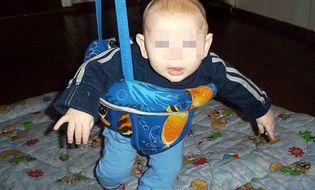 Gia đình - Thương tâm bé trai 18 tháng tuổi chết cóng trên đường tìm mẹ