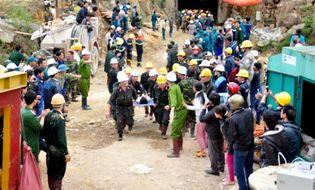 Xã hội - Video: Giải cứu thành công 12 công nhân vụ sập hầm Đạ Dâng