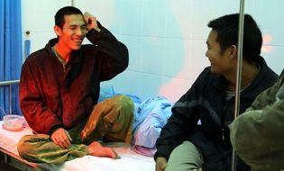 Xã hội - Vụ sập hầm thủy điện Đa Dâng: Đêm đoàn tụ hạnh phúc