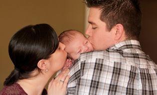 Tình huống pháp luật - Chồng không nghỉ thai sản thì có được hưởng trợ cấp?
