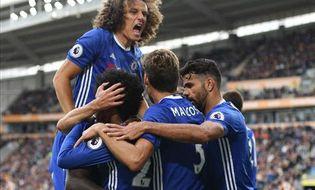 Bóng đá - Hull 0-2 Chelsea: Costa, Willian bùng nổ, Conte vui trở lại