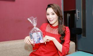 Tin tức giải trí - Hồ Quỳnh Hương xúc động nhớ lại thời không có tiền mua một cây kem