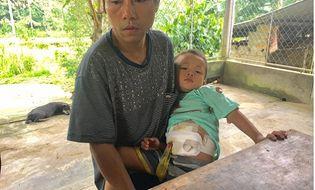 Hoàn cảnh - Cảnh nhà hiu hắt của gia đình bé trai 3 tuổi mắc bệnh hiểm nghèo